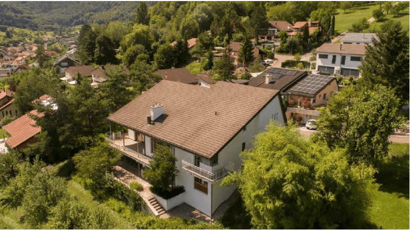 Villa in grüner Oase