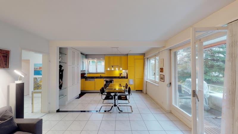 Hell ausgestattete 3.5-Zimmer-Wohnung in Forch