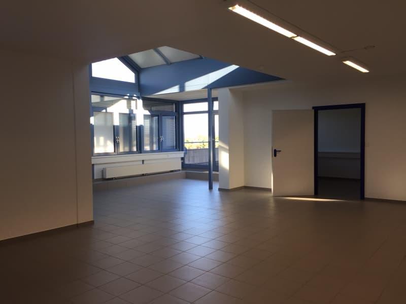Lichtdurchflutete und luftige Bürofläche mit direktem Terrassenzugang