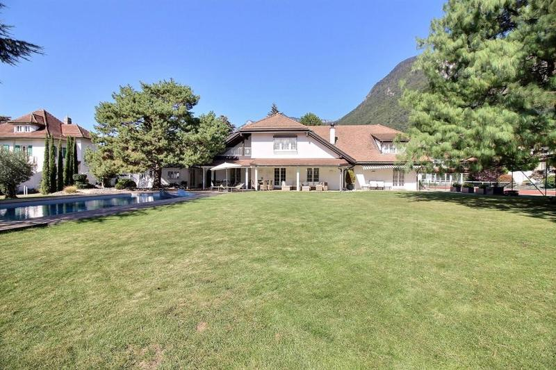 Splendide propriété avec tennis et piscine !