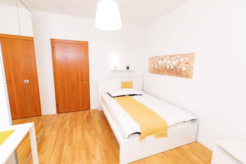 FULLY REFURBISHED:Business Apartment quiet & central with breathtaking panoramic view on roof deck!