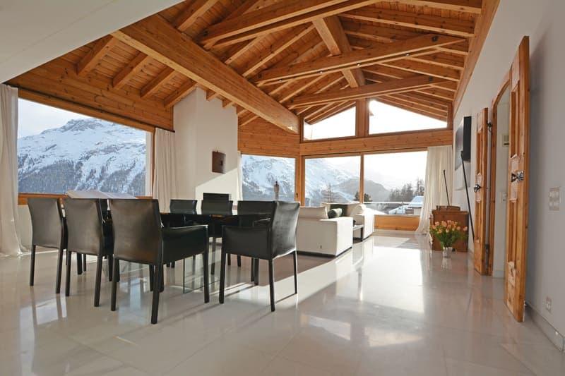 Hoch über den Dächern von St. Moritz - Villa mit atemberaubender Berg- und Seesicht auf 1900 m.ü.M. (1)