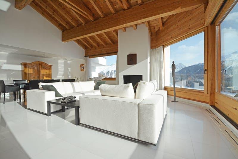 Hoch über den Dächern von St. Moritz - Villa mit atemberaubender Berg- und Seesicht auf 1900 m.ü.M. (2)