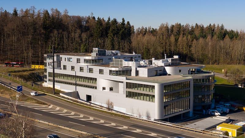 Topmoderne Büroräumlichkeiten im neuen Geschäftszentrum HALTEN, geeignet für Grossraumbüro (4)