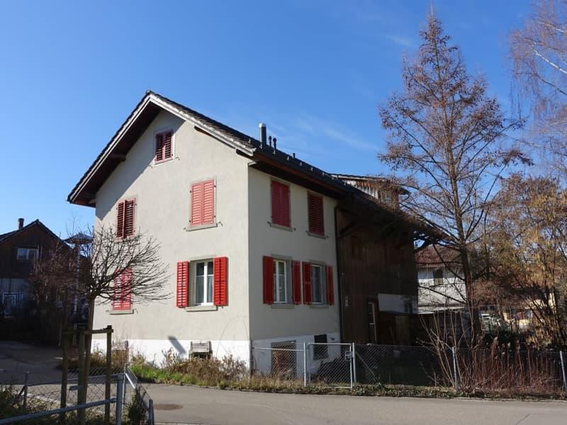 Wohnhaus mit zwei 3.5-Zimmerwohnungen & Atelier