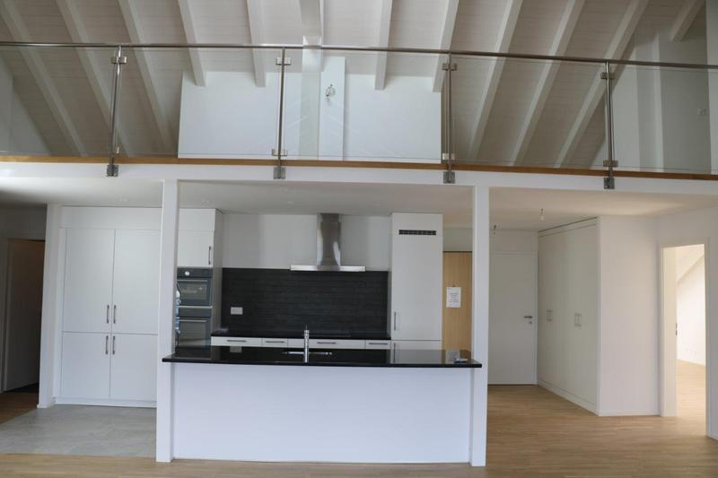 1 Appartement neuf de 8.5 pièces avec buanderie et cave privatives et 2 places de parking en sus (3)