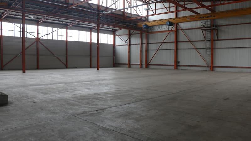 Lagerfläche / Podest mit 1'090 m2 an verkehrstechnisch hervorragender Lage zu vermieten