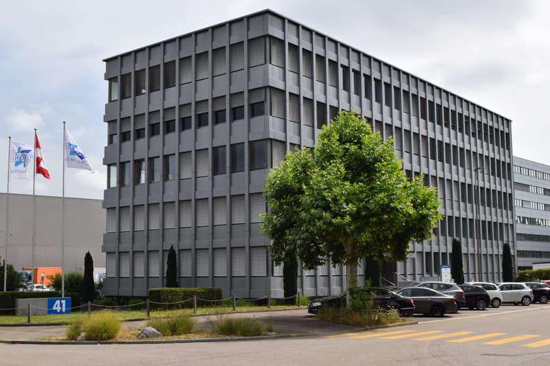 Büro im Gewerbegebiet Bizenen / Muttenz