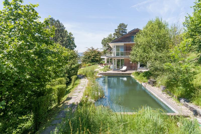 Exklusives und nachhaltiges Landhaus mit Naturteich