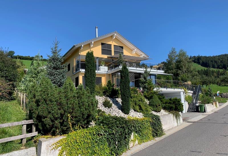 467 m2 Einfamilienhaus mit See- und Bergsicht