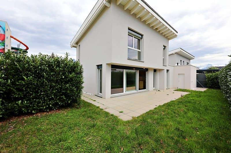Magnifique villa 4,5 p / 3 chambres / 1 SDB / terrasse avec jardin