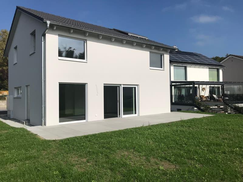 Ihr neues Zuhause - Freistehendes 5,5 Zimmer Einfamilienhaus Erstbezug (2)