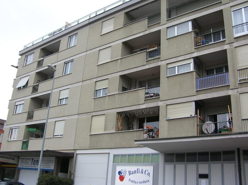 Appartamento 2.5 locali, 2° piano