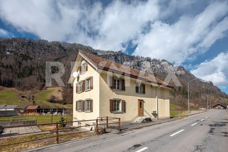 Wohnhaus mit zwei 3½-Zimmer-Wohnungen und einem Studio