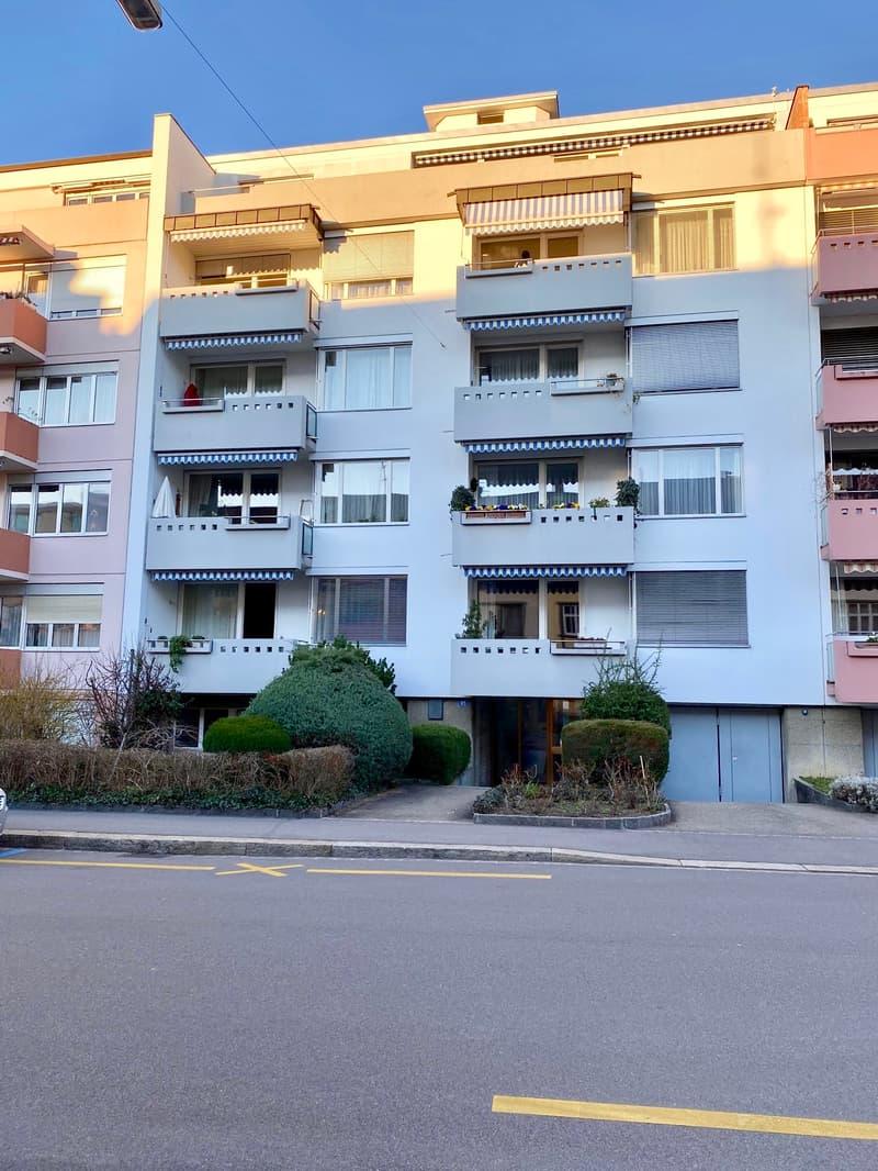 An der Engelgasse 85 in Basel eine grosse sonnige 5-Zimmer Dachwohnung mit Aussicht zu vermieten (1)