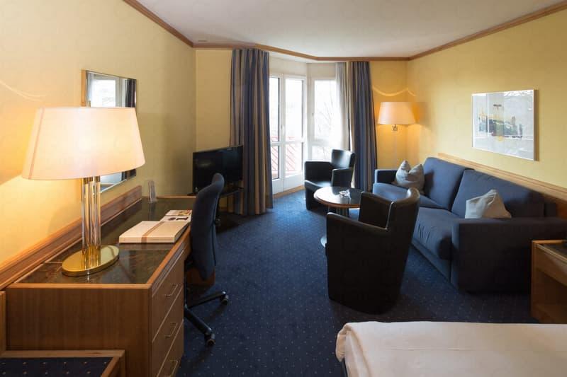 Möbliertes Zimmer am Flughafen - Monatsmiete oder Homeoffice