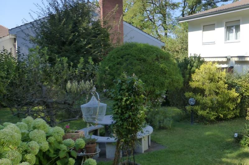 3-Zimmer-Eck-Reiheneinfamilienhaus mit schönem Garten auf dem Bruderholz