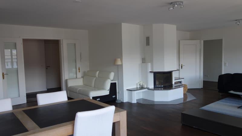 Grosszügiges  Zimmer in einer luxuriösen Wohnung Nähe See und Bahnhof