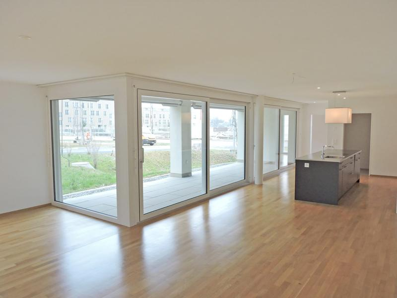 4.5 Zimmer-Wohnung mit grosszügigem Sitzplatz! (3)