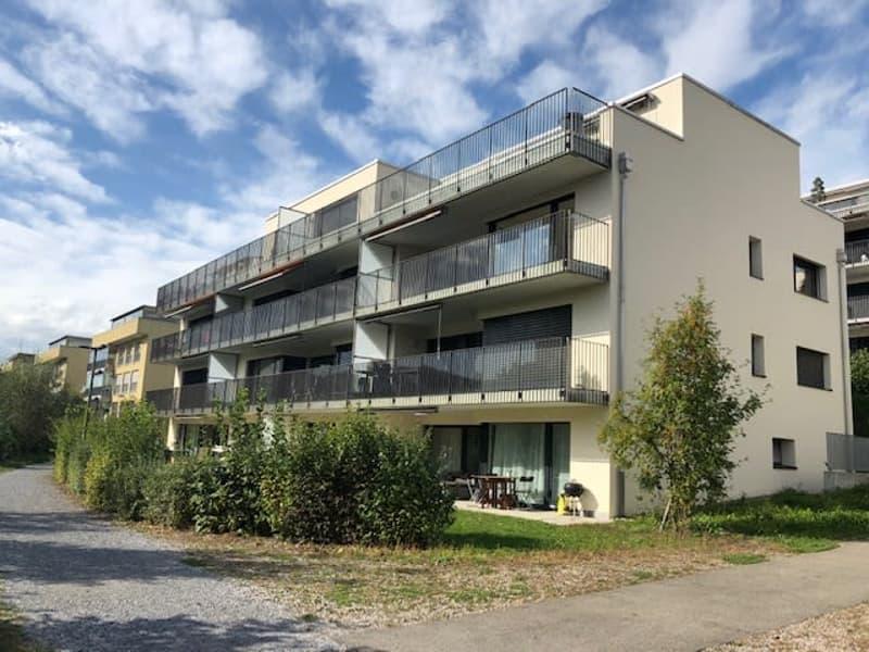 Topmoderne 3.5-Zimmerwohnung im Eigentumsstandard an sonniger Hanglage (1)