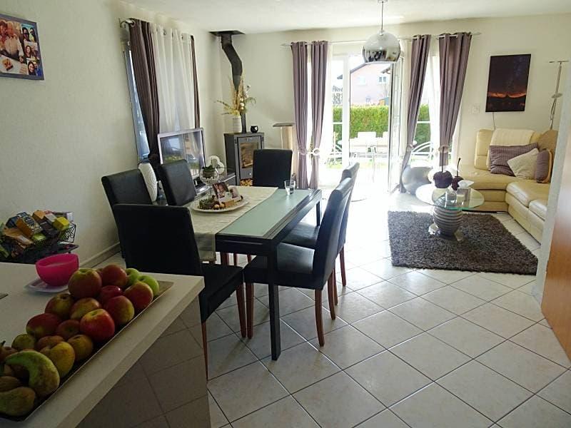 à 9 km de Lausanne, état neuf, villa contiguë d'angle, idéale pour une famille