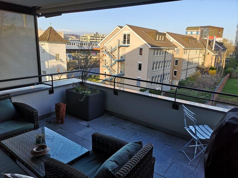 Moderne 2 1/2 Z-Wohnung mit 18m2 Balkon (3)