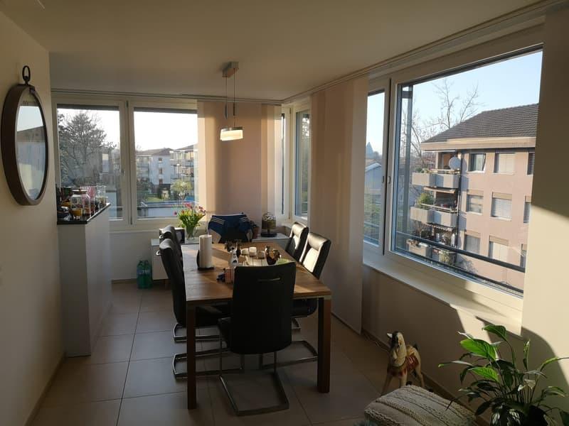 Moderne 2 1/2 Z-Wohnung mit 18m2 Balkon (4)