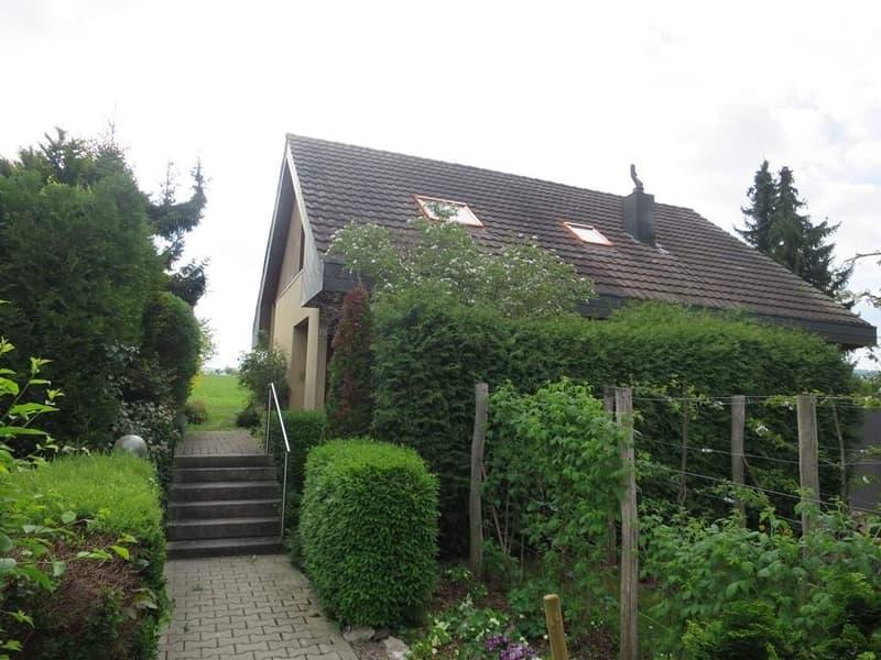 freistehendes 4.5-Zimmer Einfamilienhaus an gesuchter Lage in Therwil/BL