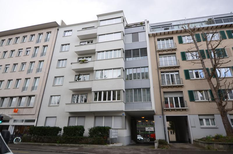 Gepflegte 2 Zi. Wohnung mit Balkon und Aussenstellplatz