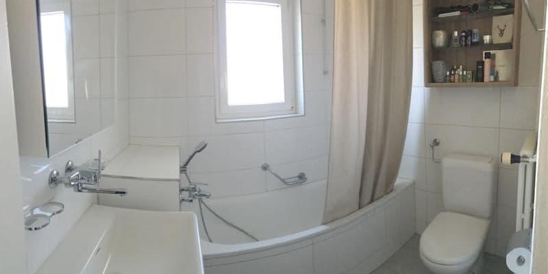 Voraussichtlich vermietet!  4-Zimmer-Wohnung mit kleinem Balkon im 1. OG (3)
