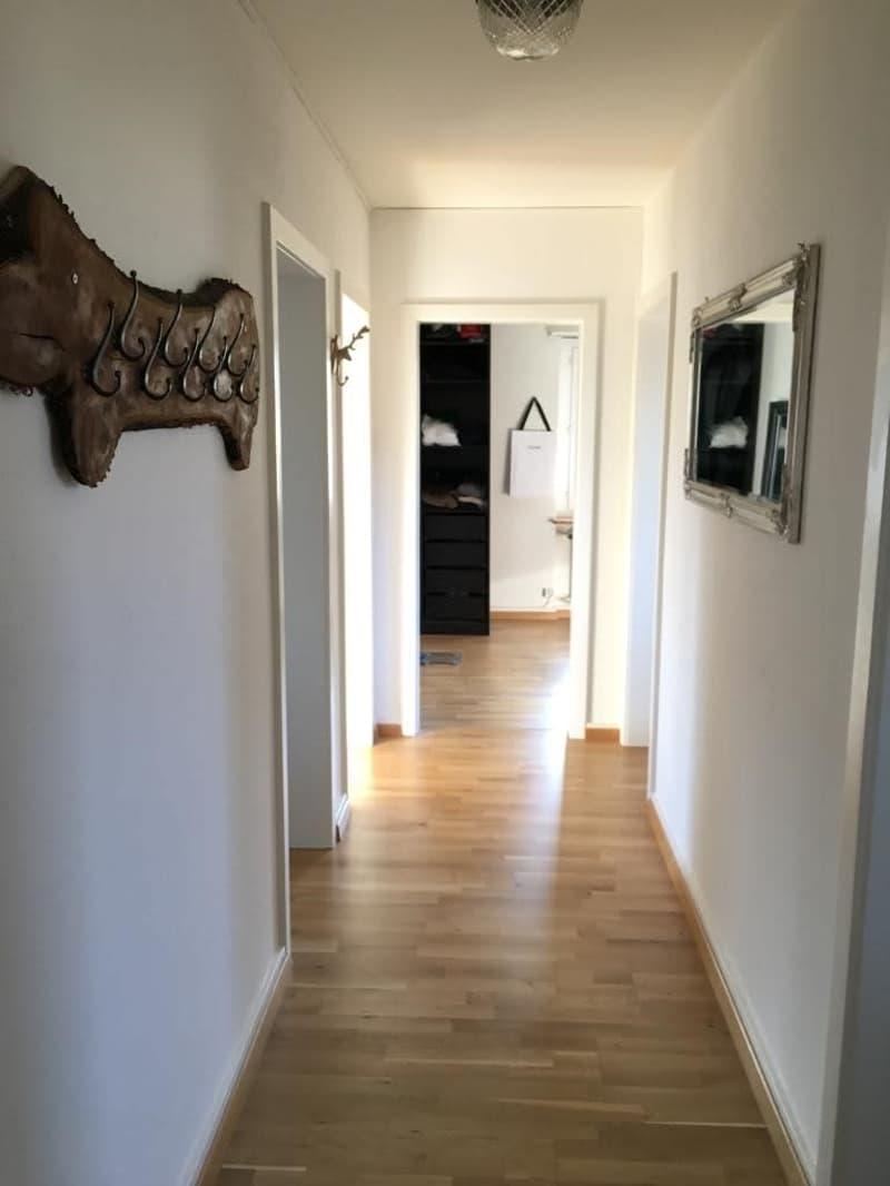 Voraussichtlich vermietet!  4-Zimmer-Wohnung mit kleinem Balkon im 1. OG (4)