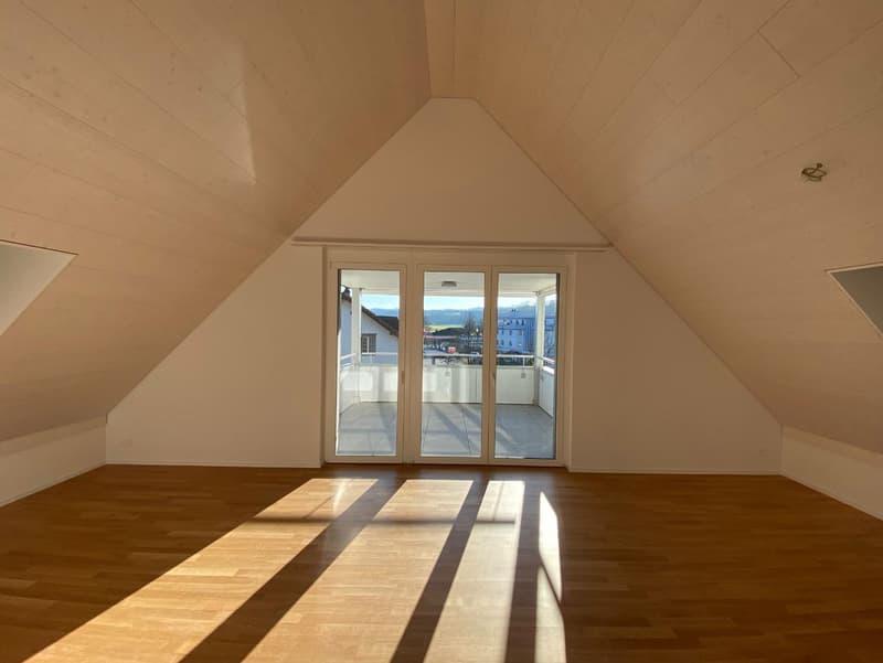 Neue 2.5 Zimmerwohnung mit Lift