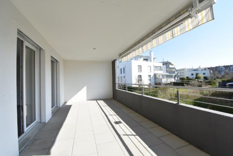 3.5 Zimmer-Wohnung mit grossem Balkon