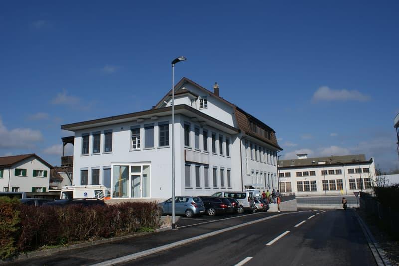 zentral gelegene, grosszügige 4,5-Zimmerwohnung in Zofingen (1)