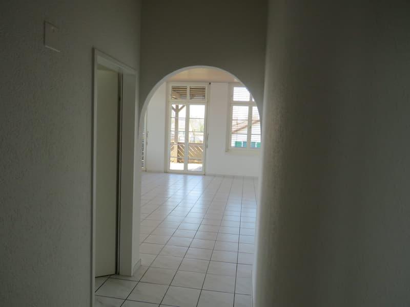 zentral gelegene, grosszügige 4,5-Zimmerwohnung in Zofingen (4)