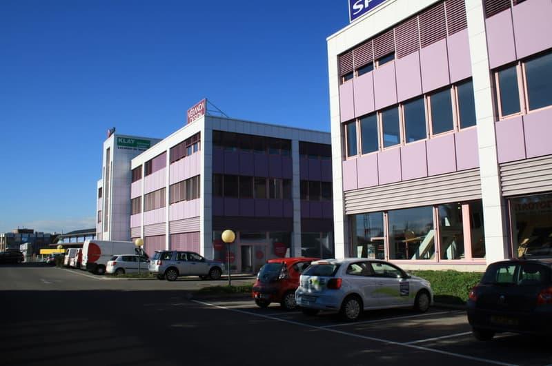 A louer bureaux de 20m² à 805 m²