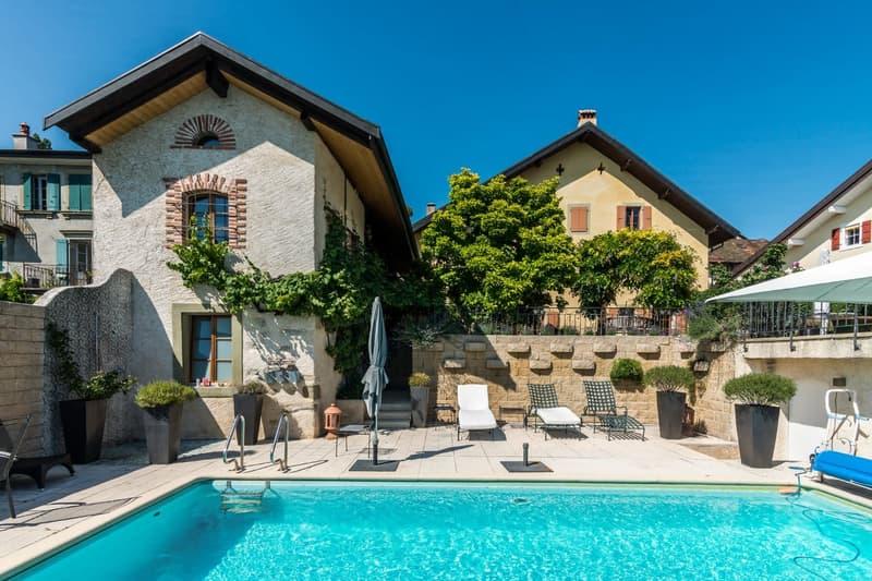 Maison avec dépendance et piscine