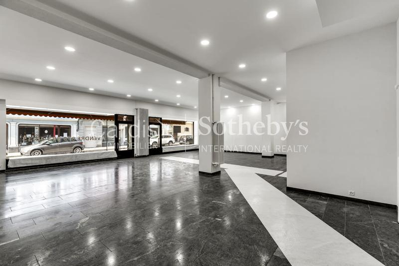 Belle surface commerciale / Beautiful commercial space
