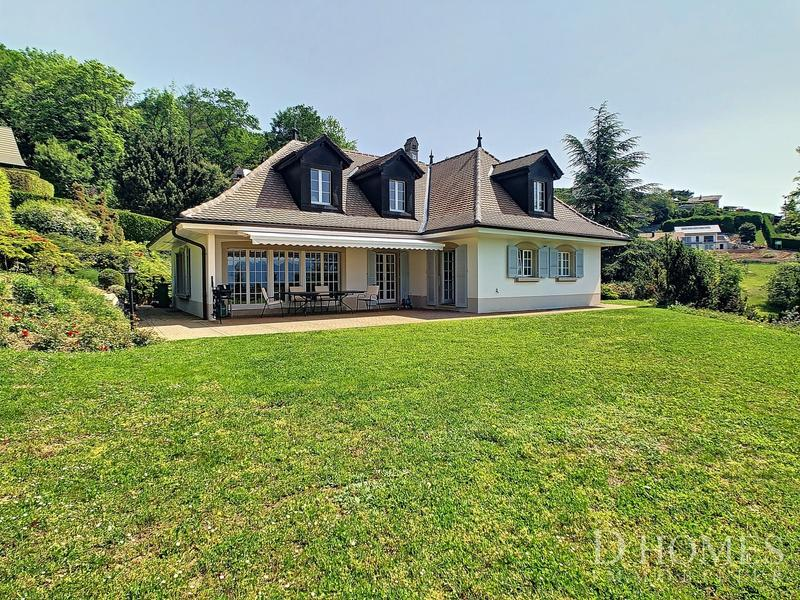 EN EXCLUSIVITE I Villa individuelle avec vue sur le lac et les Alpes (1)