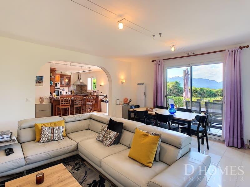 Magnifique villa de 7,5 pièces avec vue sur le lac et les Alpes (4)