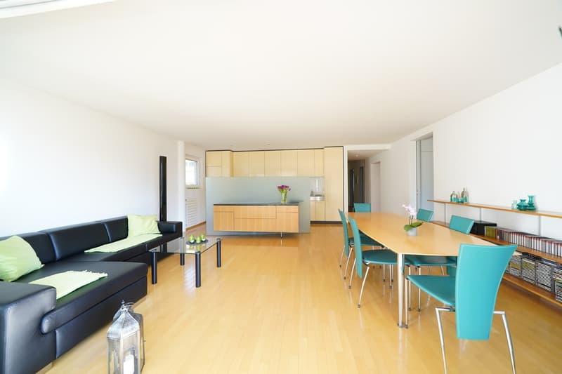 Grosse 5 1/2-Zimmerwohnung mit idyllischem Blick ins Grüne
