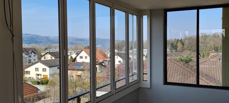 3 1/2-Zimmer Wohnung mit grossem verglasten Balkon (1)