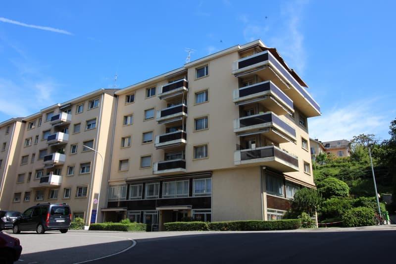 Appartement de 2 pièces au 5e étage partiellement rénové