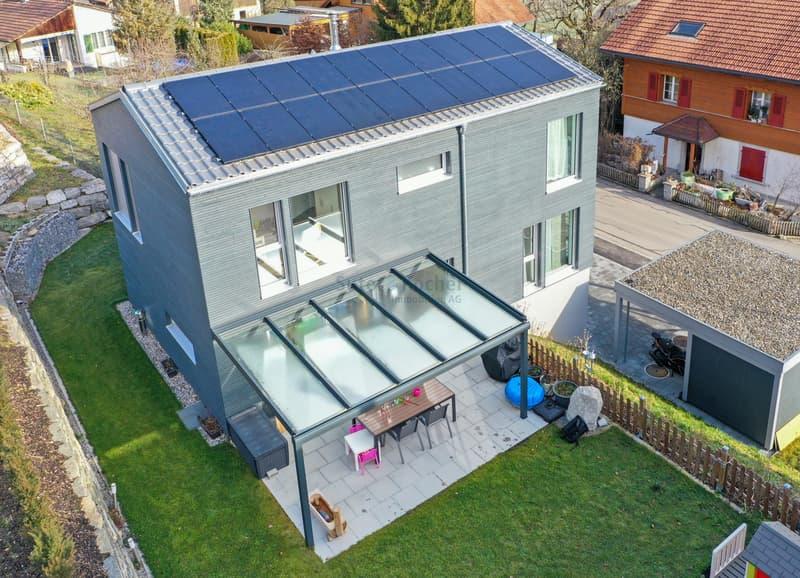 Nahe Uetendorf : Modernes Einfamilienhaus mit toller Aussicht