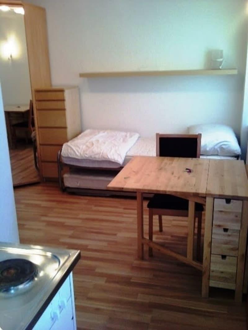 Möblierte 1-Zimmerwohnung an zentraler Lage mit Dachterrasse