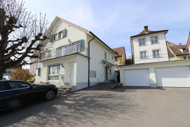 Top renoviertes, modernes  7.5 Zi Wohnhaus mit 1 Zi Studio/Büro