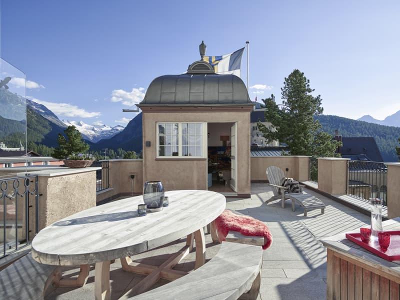 Aussergewöhnliche Wohnung in Bestlage mit 225 m² sowie Terrasse, Pavillon & Traumaussicht (4)