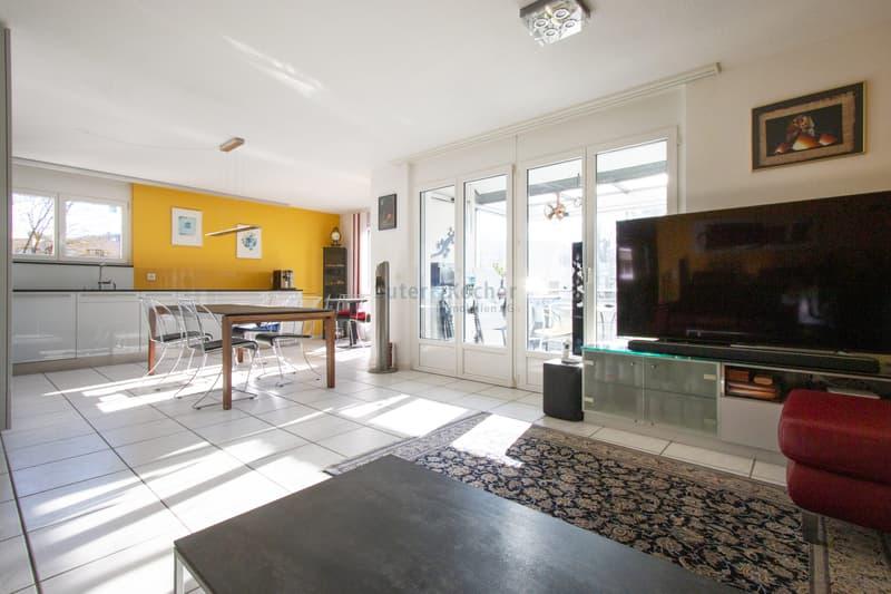 Zentrale 4.5-Zimmer Wohnung in Schönbühl!