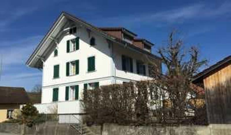 Aussenansicht Dachwohnung rechts