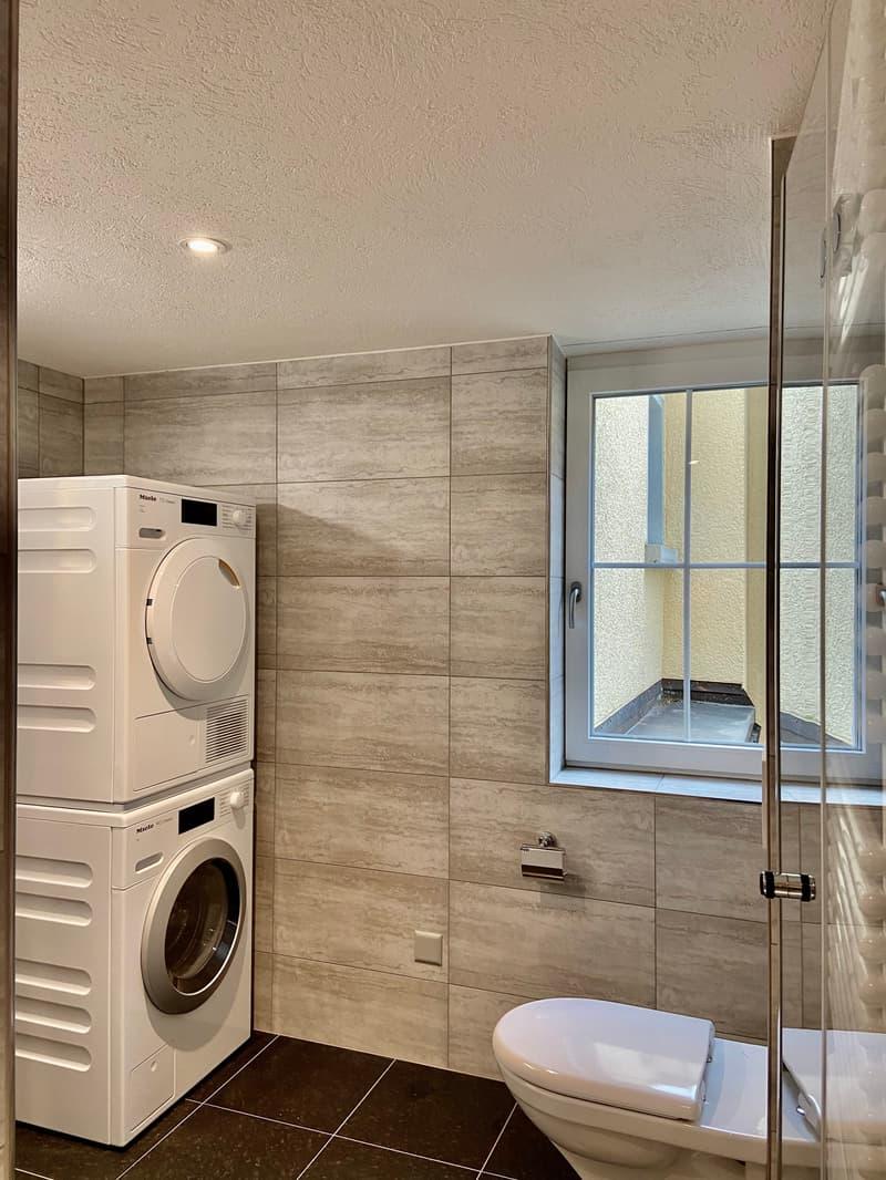 Waschmaschine und Trockner, Fenster zum Innenhof